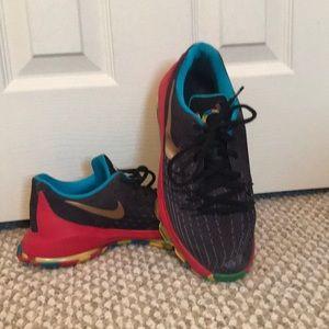 NIKE KD 8 GS Size 7Y black multi color shoes.